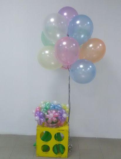 Перламутровый букет со связкой из 15 перламутровых шаров