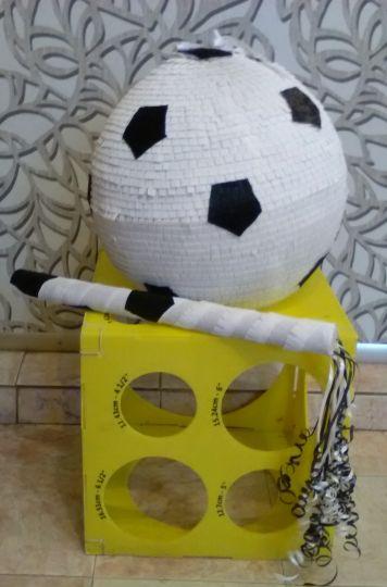 Пиньята Футбольный мяч с битой